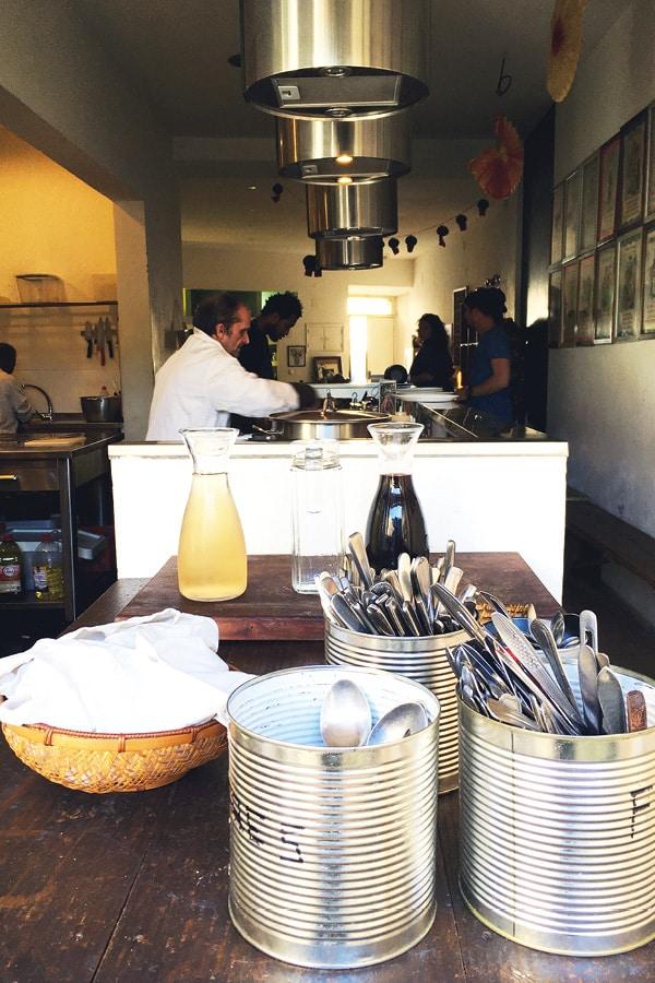 cozinha popular da mouraria lisbonne restaurant